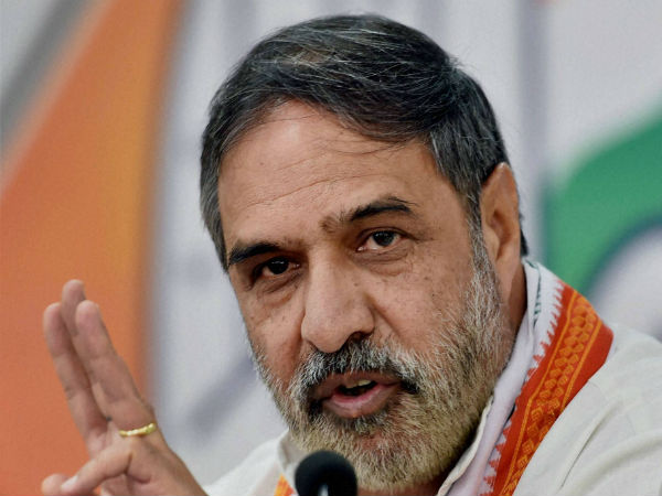 Congress leader Anand Sharma attacked at JNU, student union blames ABVP