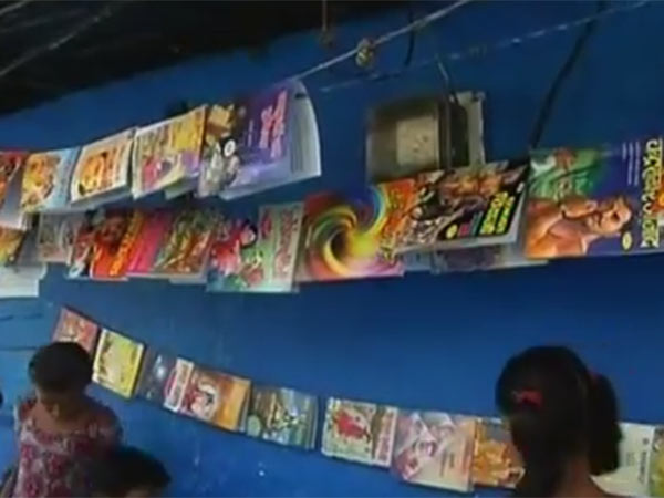 9-Year-Old Girl Runs Library To Educate Others In Her Slum