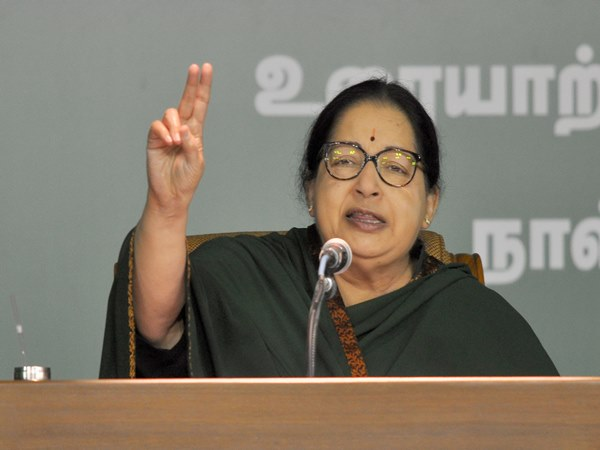Jaya slams DMK for its failure on manifesto