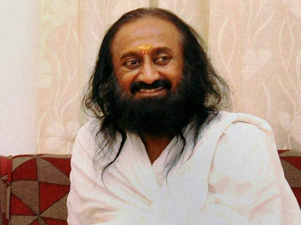 Sri Sri Ravi Shankar Sent Peace Message To ISIS,Received Photo Of Beheaded Man