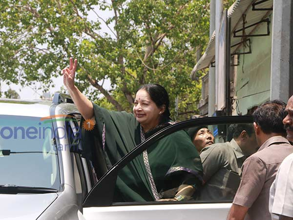 Jayalalitha has 2.04 crore rupees of debt