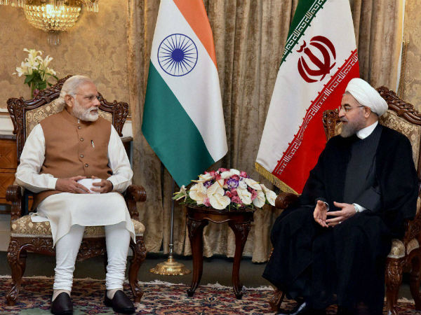 India signs pact to develop Chabahar port