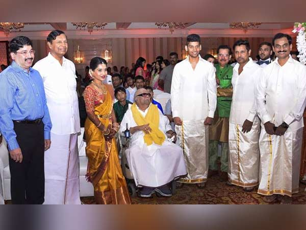 Karunanidhi greets great grandson engagement
