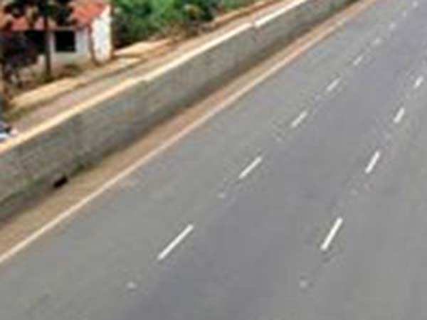 Road expansion work between Nellai-Rajapalayam being dull