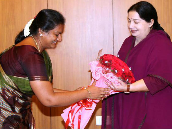 Once Sasikala puspa demands Bharath Ratna to Jaya