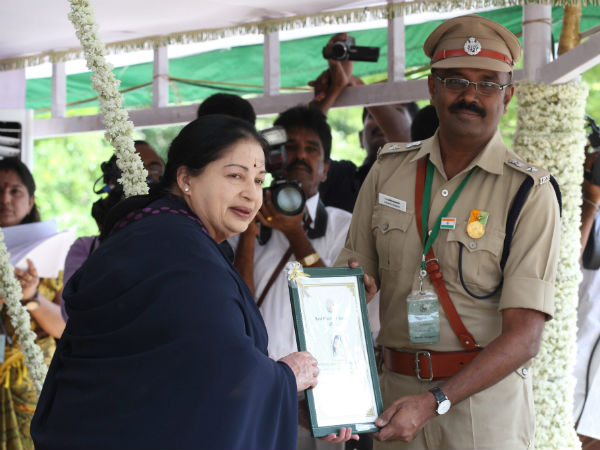 Jaya gives Kalam award to scientist Shanmugam