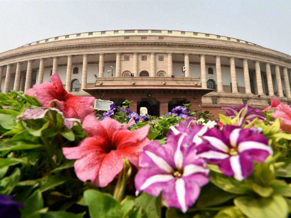Centre to submit GST bill today in the RS