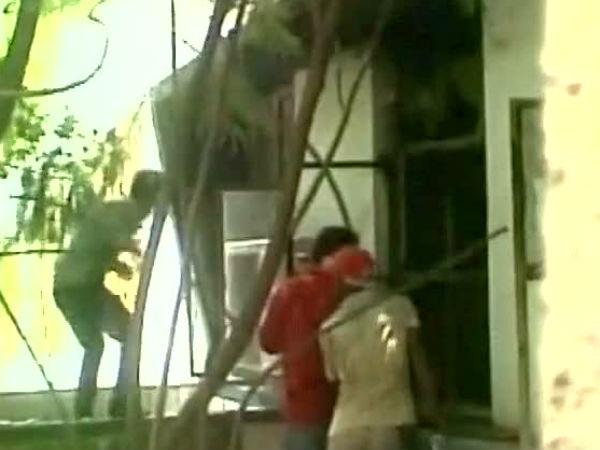 மேற்கு வங்க அரசு மருத்துவமனையில் தீ விபத்து - பெண் உட்பட 2 பேர் பலி