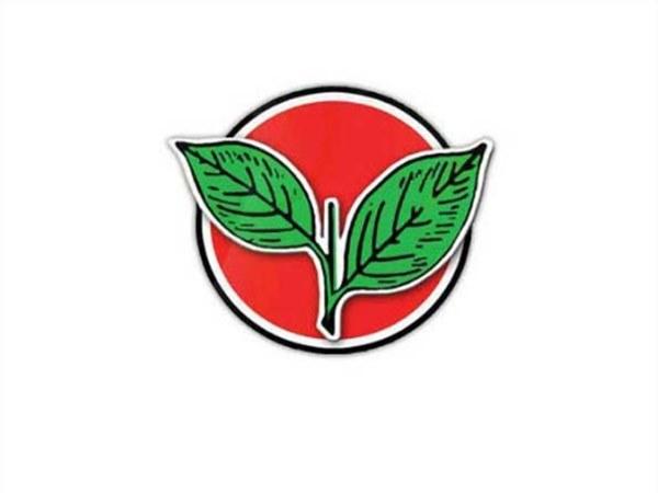உள்ளாட்சி தேர்தல்.. 'சீட்' கிடைக்காததால் அதிமுக பெண் கவுன்சிலர் தர்ணா