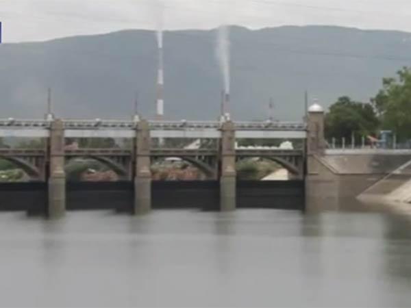 காவிரி நீரை நிறுத்திய கர்நாடகா... மேட்டூர் அணையின் நீர்மட்டம் கிடுகிடு சரிவு- வீடியோ