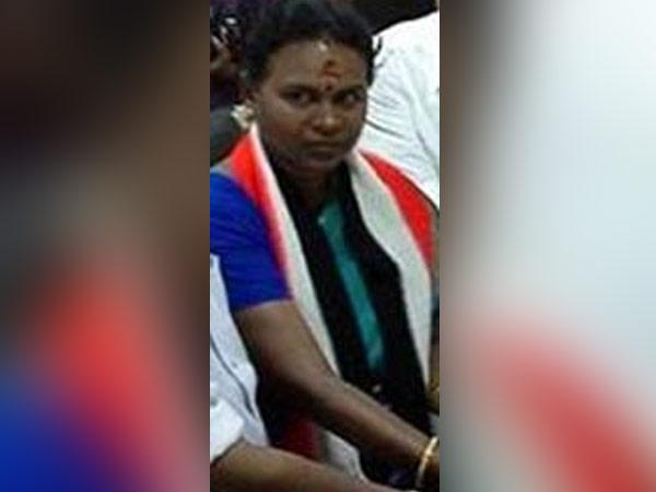 நெல்லை மாநகராட்சி... புவனேஸ்வரிக்கு அல்வா தந்த அதிமுக!
