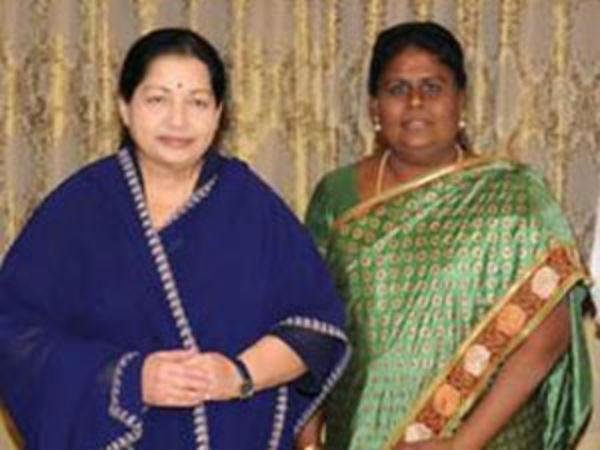 ஜெயலலிதா ஒரு தெய்வப்பிறவி... உடம்புக்கு எதுவும் வராது - விஜிலா சத்யானந்த்
