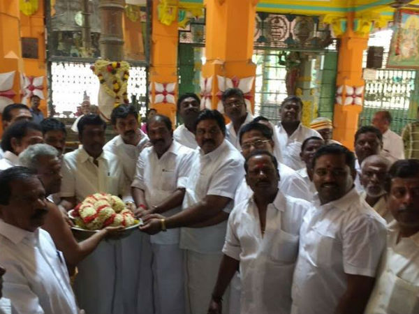 ADMK MLA Paramasivam performs Pooja for Jayalalithaa's recovery