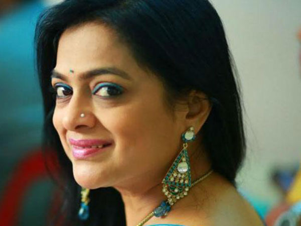 Marathi actress Ashwini Ekbote died in Pune while performing on stage