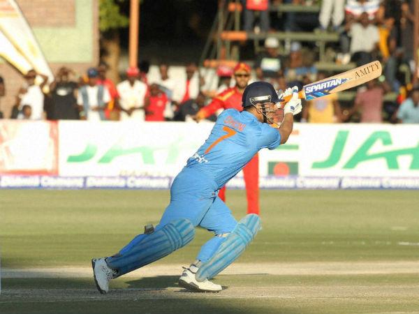 மொஹாலி போட்டியில் டோணி மேலும் ஒரு ரெக்கார்டு!