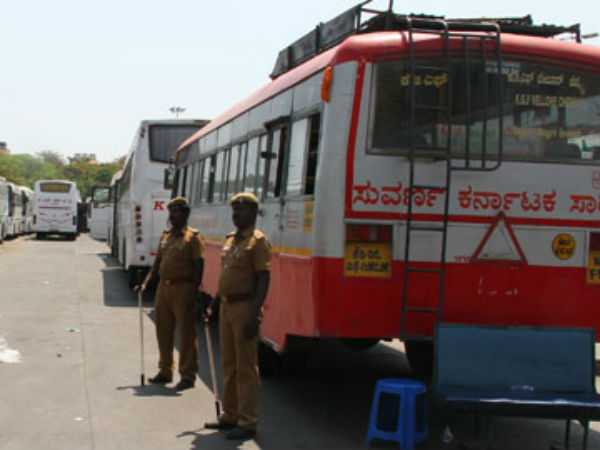 Tamilnadu police send back Karnataka gvt bus in Erode border