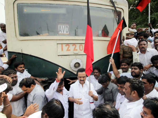 Cauvery issue: Opposition Parties Stage Rail Roko Across Tamil Nadu
