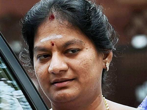 சசிகலா புஷ்பாவுக்கு எதிராக கண்டன போஸ்டர் - பரபரப்பு