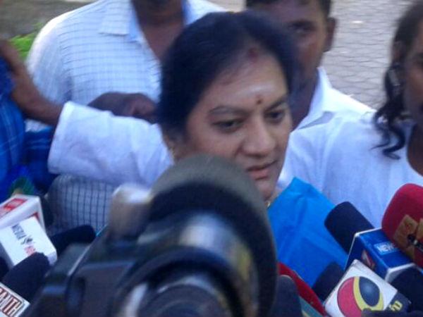 Madurai police grills Sasikala Pushpa