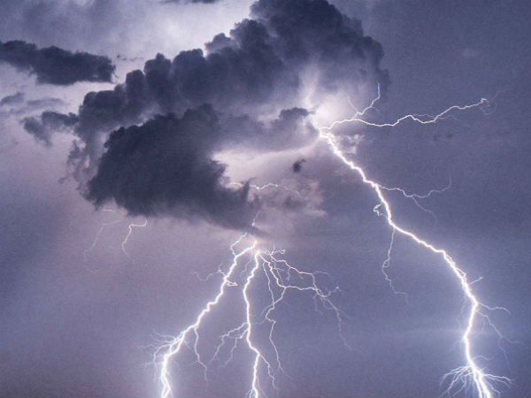 Woman Dies of Thunder Struck at nellai