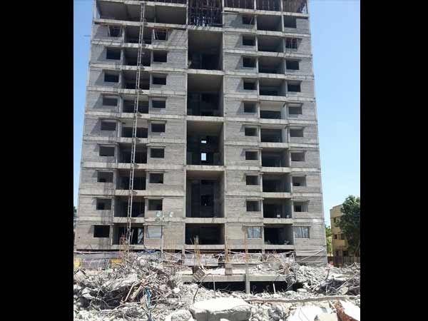 Moulivakkam 11 storey building demolition: Collector inspects