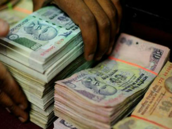 Van carrying with Rs 1.37 crore found abandoned