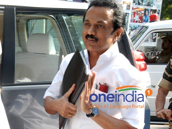 M.k. stalin has opposed the Centr'es move to privatise the Salem Steel Plant.