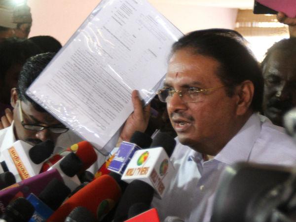 ராமமோகன் ராவ் வீடு, தலைமை செயலகத்தில் ரெய்டுக்கு இதுதான் காரணம்... வருமான  வரித்துறை விளக்கம் | IT officials explain on Rama Mohan Rao's charges -  Tamil Oneindia
