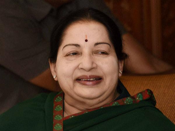 ஜெயலலிதா மறைவு.. புதுச்சேரியில் இன்று பள்ளி, கல்லூரிகளுக்கு விடுமுறை