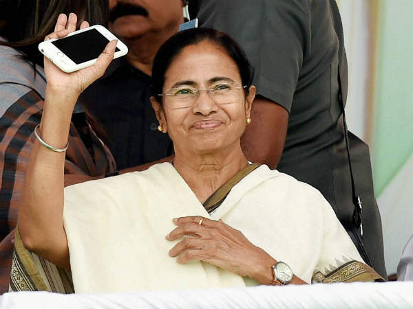 Mamata flight hovers in sky, party alleges conspiracy