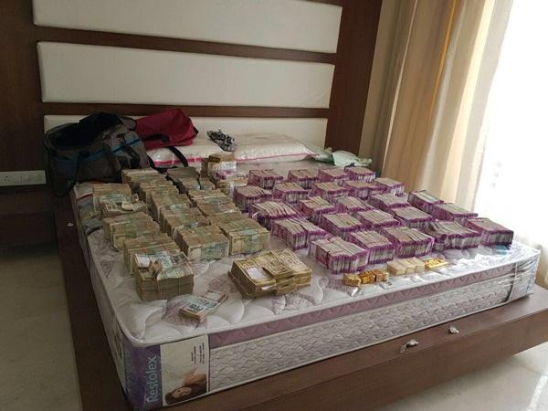ரூ5.70 கோடி பிடிபட்ட வழக்கு: தமிழக அமைச்சரின் உறவினர் உட்பட 7 பேர் அதிரடி கைது