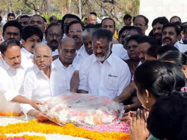 MGR death anniversary OPS and ADMK workers paid homage