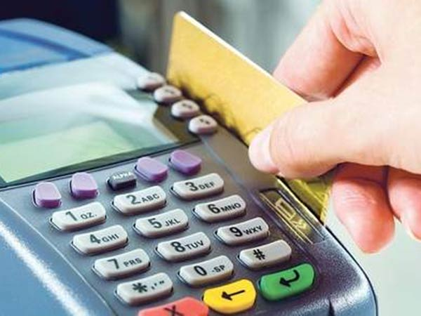 No service tax for debit and credit card transaction for upto Rs 2000!