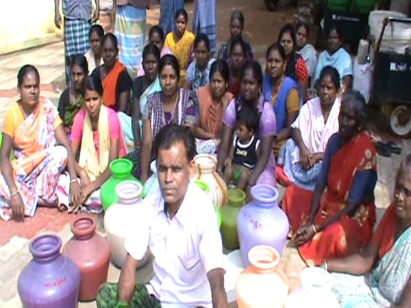 public protest due to Shortage of drinking water