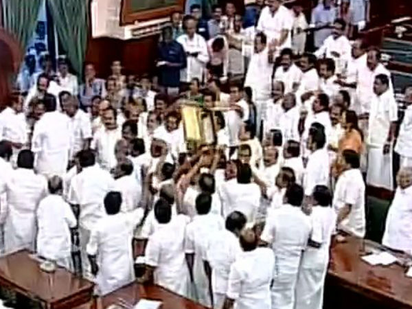 TN assembly : Chaos at Tamil Nadu Assembly Floor test