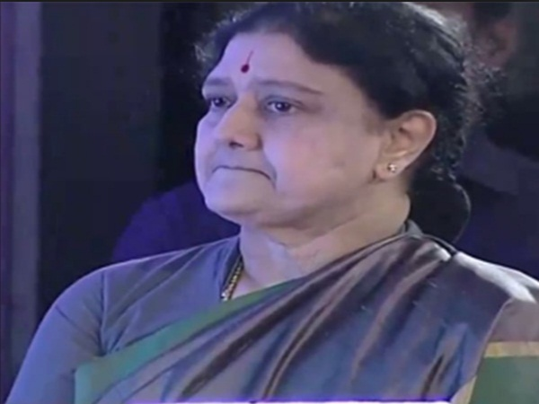 sasikala crying during her TV interview