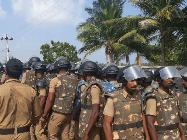 Police, task force entered in the Koovathoor resort