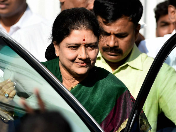 Breather for Sasikala: No SC verdict in DA case this week