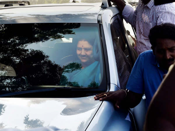 What will be Sasikala's next move?
