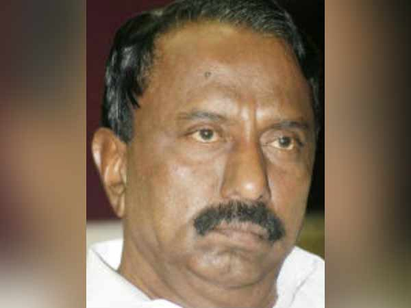 KA Sengottaiyan escapes from Resort