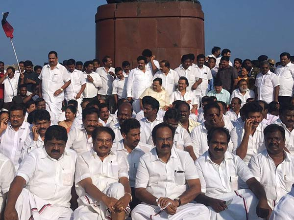 Stalin begins fast in Marina near Gandhi statue
