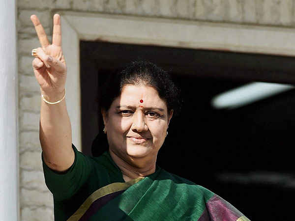 Sasikala has to reply Election comission on tomorrow
