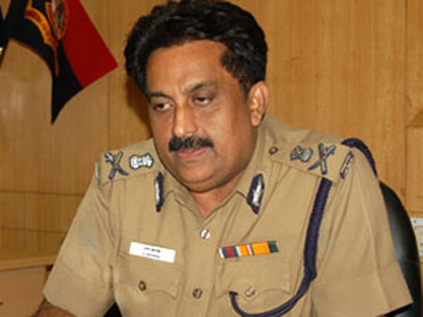 ​Madras high court Condemnes on Chennai police commissioner George