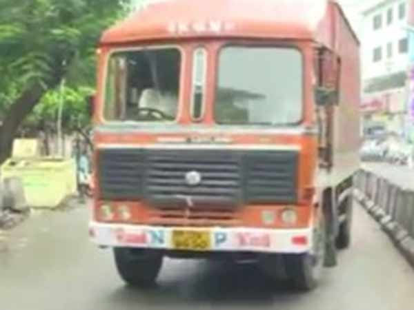IT dept searches in Container Lorries in Chennai Harbour
