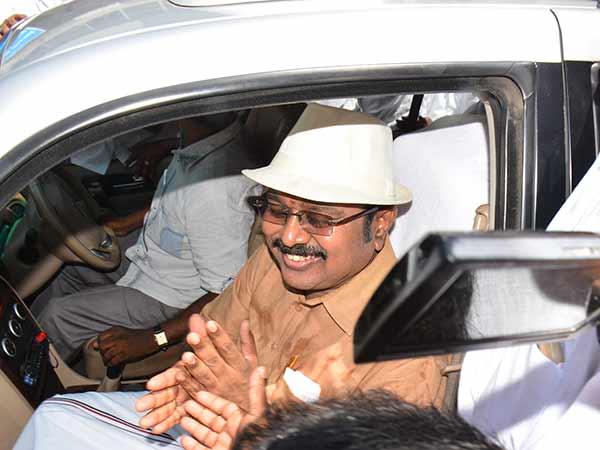 சசிகலா அணிக்கு தொப்பி ஒதுக்கீடு: தேர்தல் ஆணையம் அதிகாரப்பூர்வ அறிவிப்பு