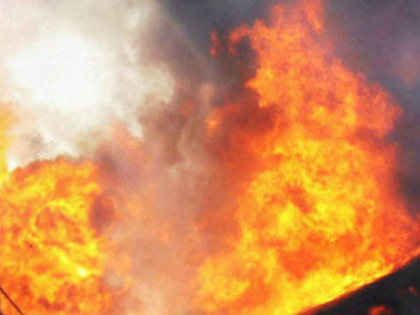 Fire accident in vellore crackers godown : 2 killed