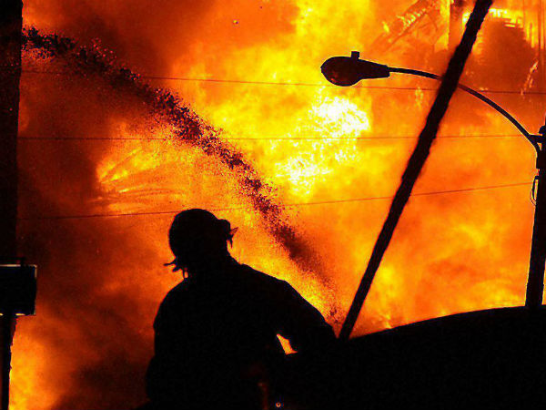 Fire breaks out at AC go-down near in Chennai