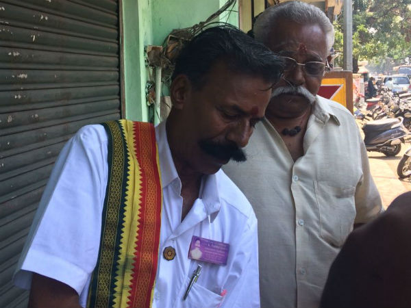 A candidate who contesting in RK Nagar election to hold a Guinness record