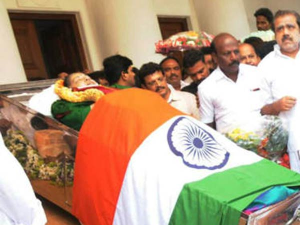 Jayalalitha's last breath was on December 5, says TN govt report