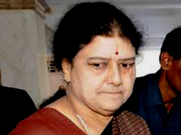 Satta Panchayat Iyakkam files case against Sasikala in SC
